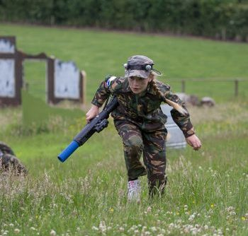 Hatton Adventure World Laser Combat Girl Ducking
