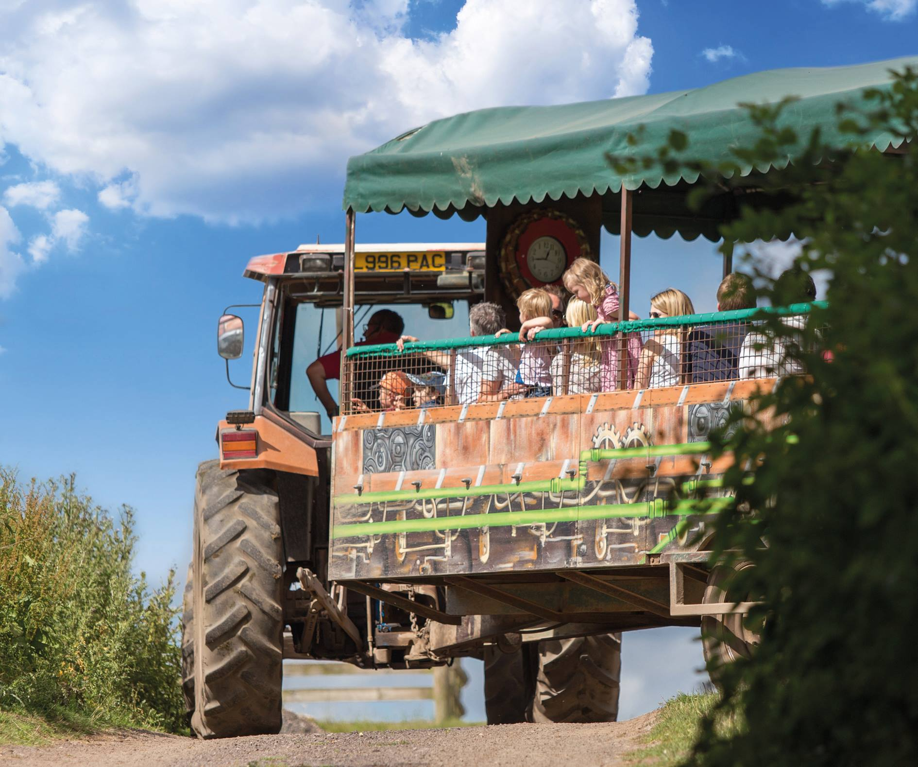 Hatton Adventure World Tractor Safari Mobile Banner